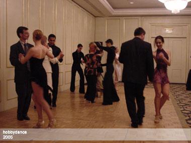 dansatori profesionisti, dansatori pentru nunta, dansatori evenimente, Show-uri dans, show dans sportiv, demonstratie dans sportiv, spectacol dans sportiv
