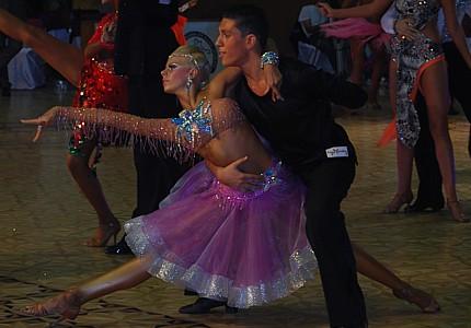 Aunianu Matei - Chira Diana - cursuri de dans initiere copii nunta valsul mirilor scoala de dans studio dans sportiv dansator dansatori evenimente profesionisti club de dans bucuresti