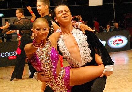 Program cursuri dans - Programul pentru cursuri de dans Bucuresti - cursuri dans Bucuresti - lectii de dans Bucuresti