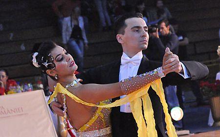Boroș Virgil - Demșorean Ana cursuri dans, cursuri de dans, cursuri dans bucuresti, cursuri de dans bucuresti, lectii dans, lectii de dans, lectii dans bucuresti, lectii de dans bucuresti, dans nunta, dans pentru nunta, dans nunta bucuresti, dans pentru nunta bucuresti, vals, Cursuri de dans in Bucuresti pentru copii,dans pentru adulti, Cursuri dans sala, dans Berceni, dans incepatori si performanta, Dansatori profesionisti evenimente, Club afiliat la Federatia Romana de Dans Sportiv, instructori si antrenori profesionisti dans, Performanta si educatie prin dans, Cursuri de dans in Bucuresti pentru dansul mirilor, lectii individuale de dans cu profesori recunoscuti, Dansul pentru toti, Dansuri latino, dansuri clasice, samba, cha-cha, jive, paso, rumba, tango, vals vienez, slow fox, quick step, salsa, bachata, kizomba, lambada sala dans, salon dans, sala de inchiriat,dans sector 4, dans popesti leordeni, cursuri dans sportiv, cursuri dans bucuresti, cursuri dans popesti leordeni, cursuri dans sector 4, balet, dans modern, cursuri dans modern, cursuri balet, coregrafie nunta, sala petreceri, sala onomastica, sala majorat, salon, dansuri latino, petreceri berceni, party berceni, organizare evenimente, fitness, aerobic, zumba, serbari, sala serbari, cantonamente dans, tabere dans, majorat