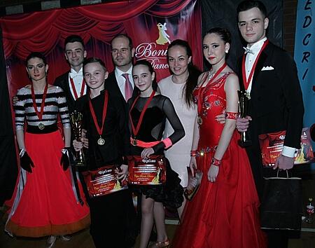 Sprijiniti dansul sportiv si Hobby Dance