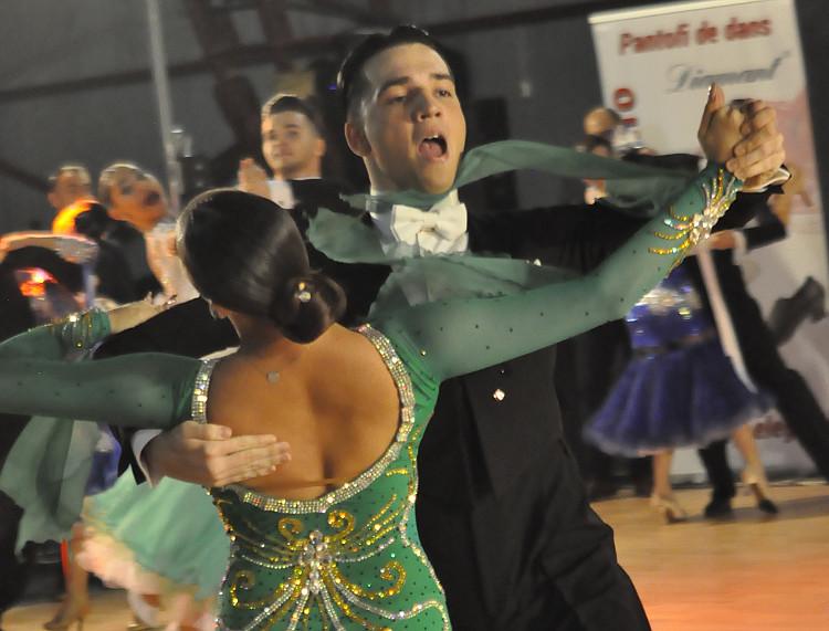 Gurgu Costin - Bercuș Diana - club sportiv de dans
