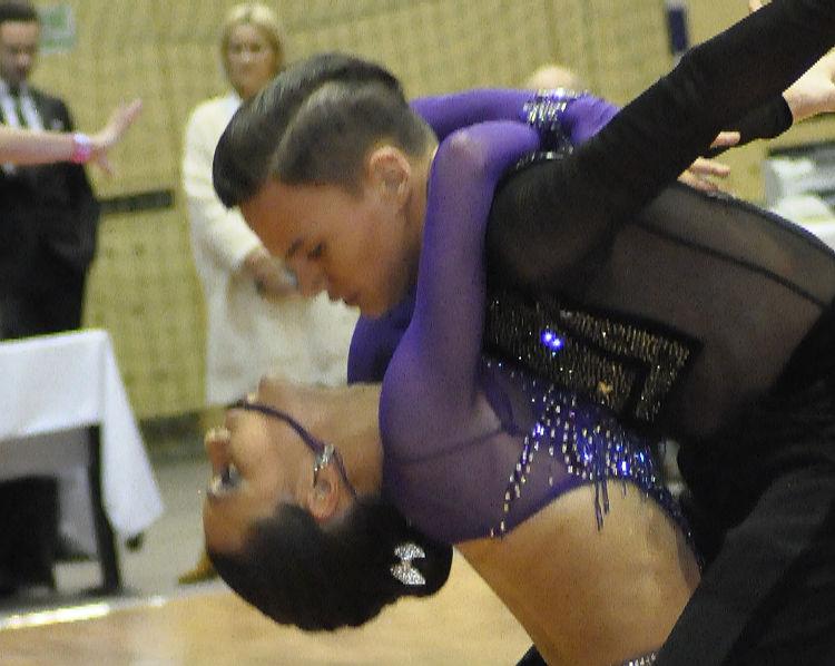 Campionatul National de 10 dansuri - Camelia si Ionut