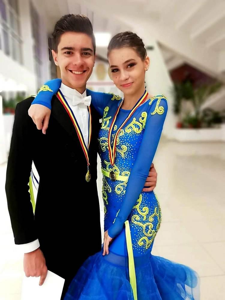 Smadu Robert - Săndulescu Andreea - scoala de dans